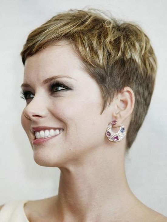 Corte de pelo corto mujeres de 50 Pixie o Garçon